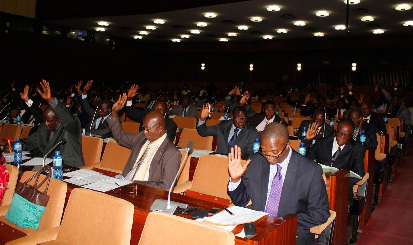 RDC : FPI, les Députés préconisent la suspension de Mbengele et le recouvrement forcé des crédits