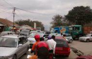 Matadi : Les embouteillages réduisent de moitié les recettes des taximen !