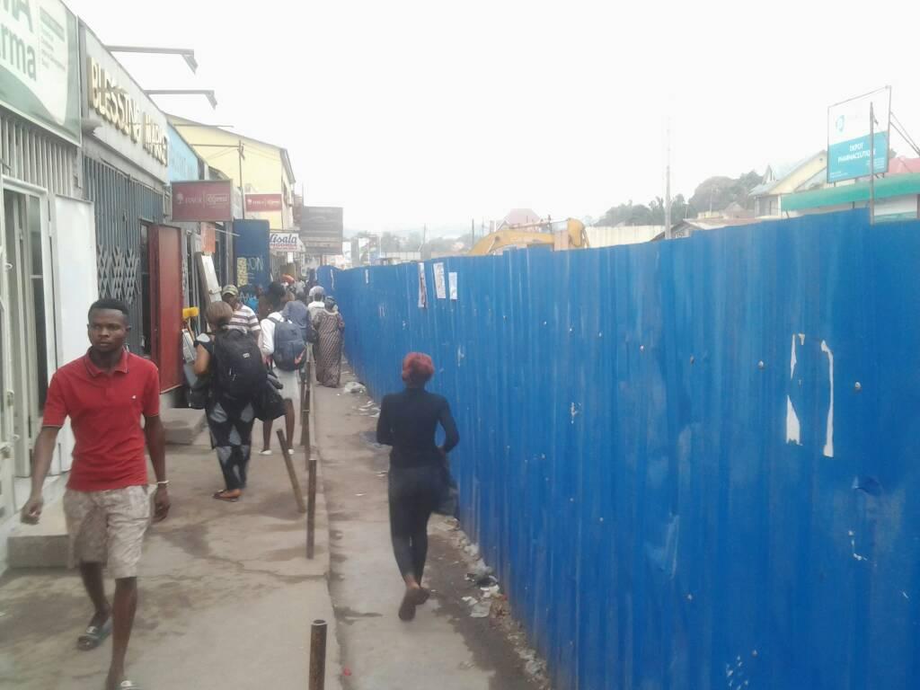 Kinshasa : les travaux du saut-de-mouton perturbent des activités économiques à Pompage 1