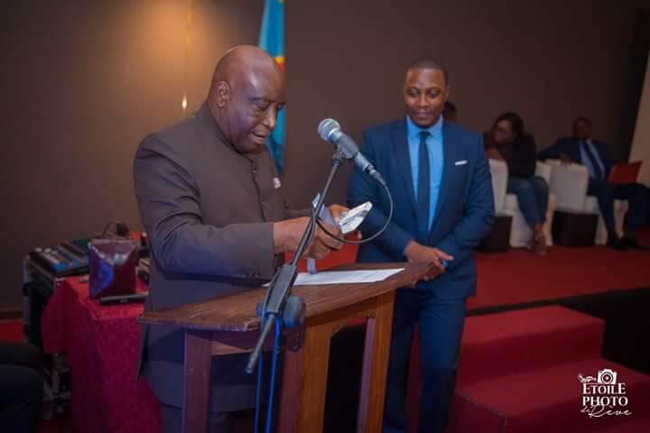 RDC: «une vie après le Styx», l'ouvrage d'Eric Ntumba porté sur fonts baptismaux 1