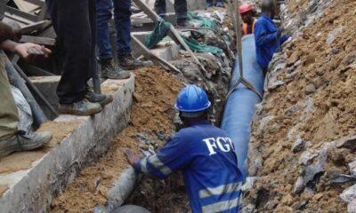 RDC : pose des conduites d'eau à Pompage