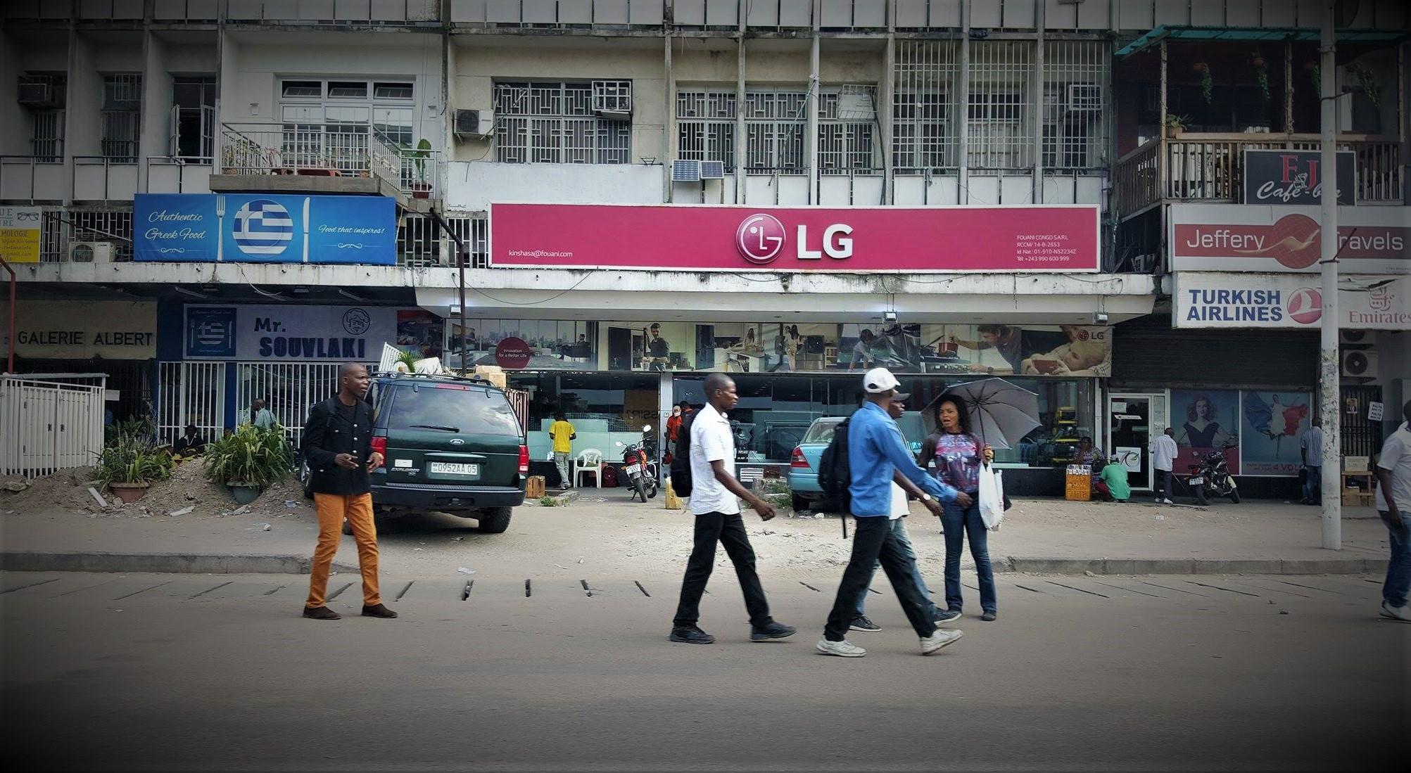 Kinshasa Boulevard commerce ouvert