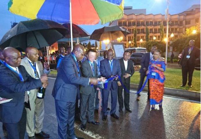 RDC : Kinshasa, le «Boulevard Congo-Japon» doté des lampadaires solaires