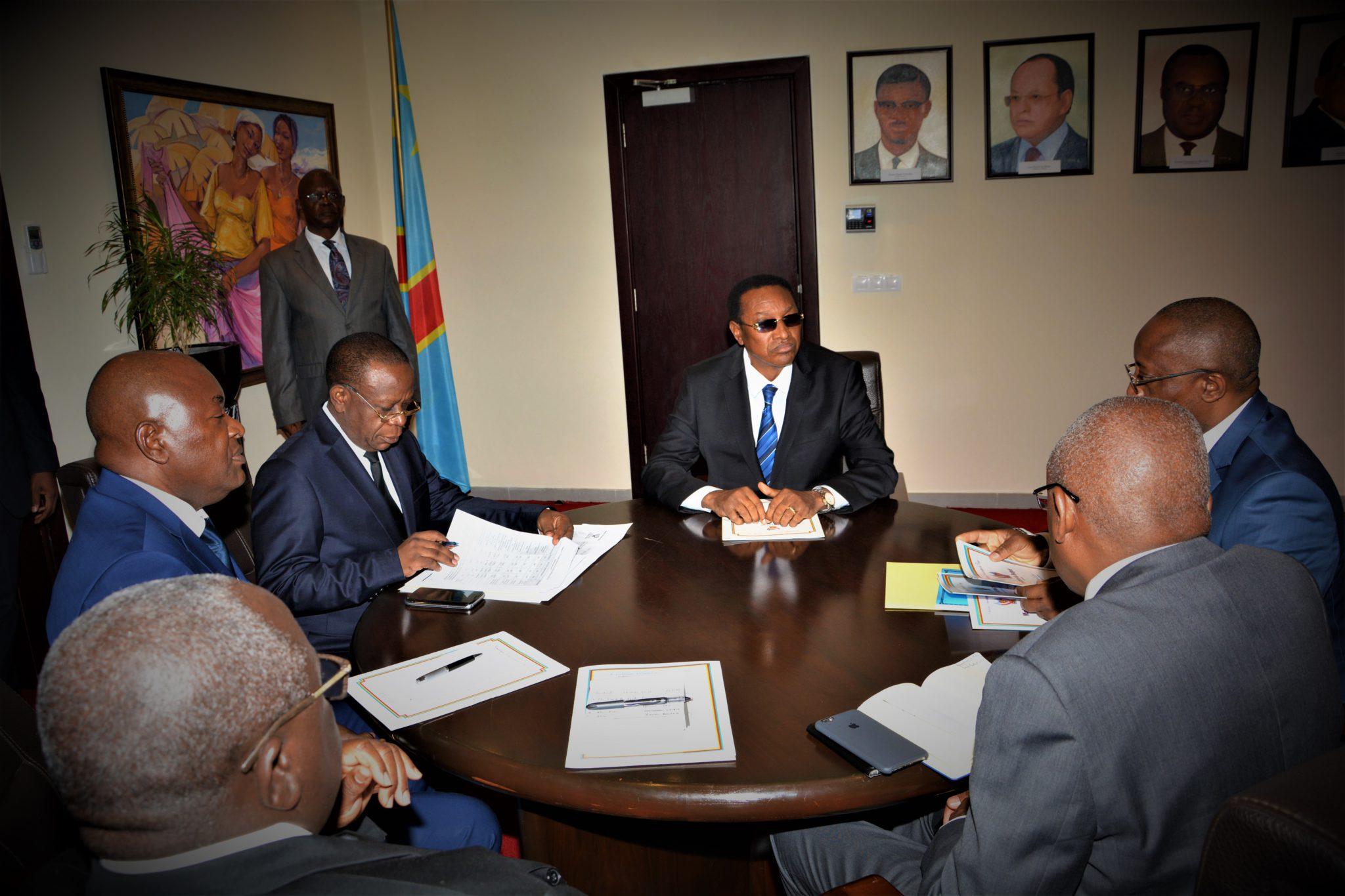 RDC : Adoption de l'avant-projet du Budget 2017, l'urgence de Tshibala !