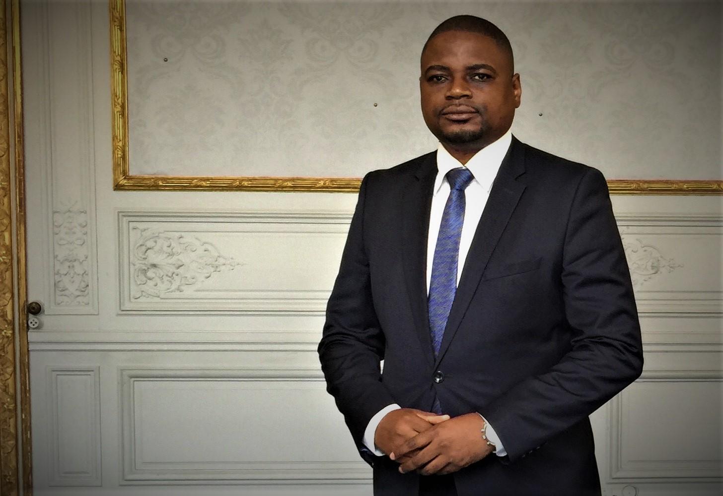 """Roger Musandji : """"Je suis d'une génération réconciliée avec elle-même et avec l'Afrique"""""""