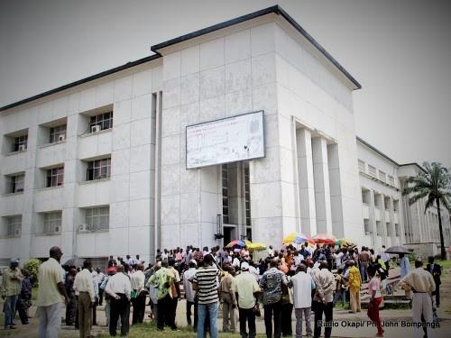 RDC : Le Gouvernement anticipe la hausse de 20 000 CDF sur les salaires des fonctionnaires [Impact]