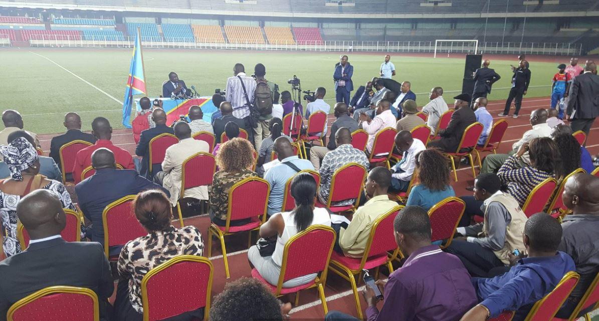 Papy Niango face à la presse @Zoom_eco