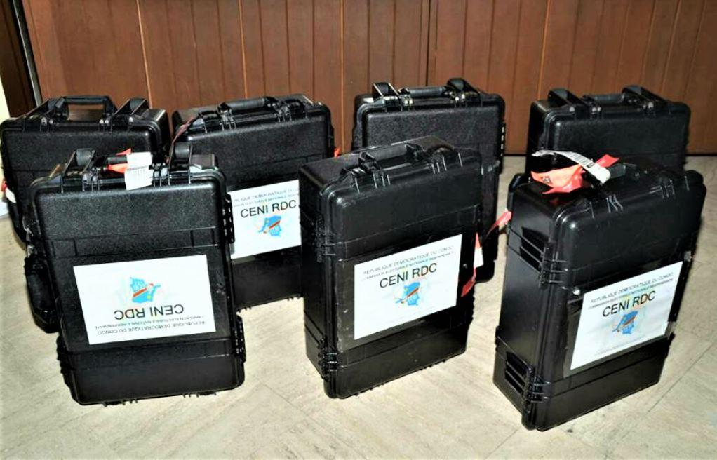 RDC : CENI réceptionne les 8 premières Machines à Voter ! 1