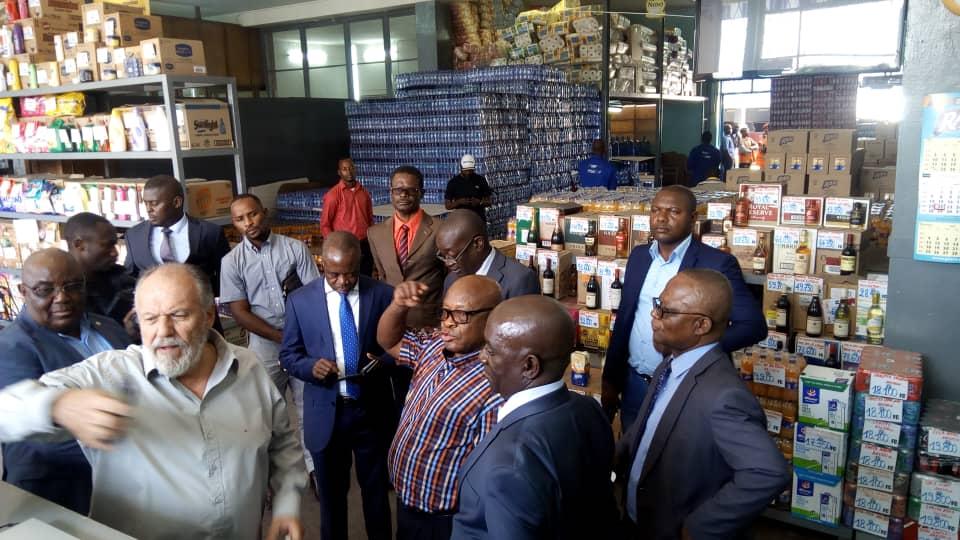 RDC : Joseph Kapika appelle au respect du Décret contre la pollution plastique ! 1