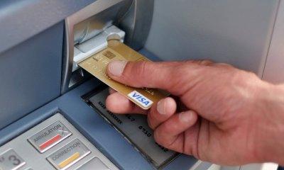 RDC: la banque centrale rend gratuits quinze services bancaires 24