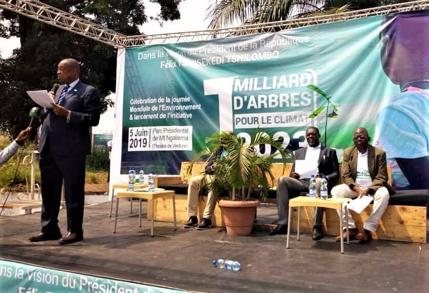 RDC : des élèves d'écoles catholiques initiés à planter des arbres ! 1