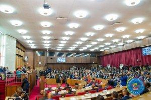 Thambwe : « l'adoption du budget de l'État ne doit plus être une simple formalité » 2