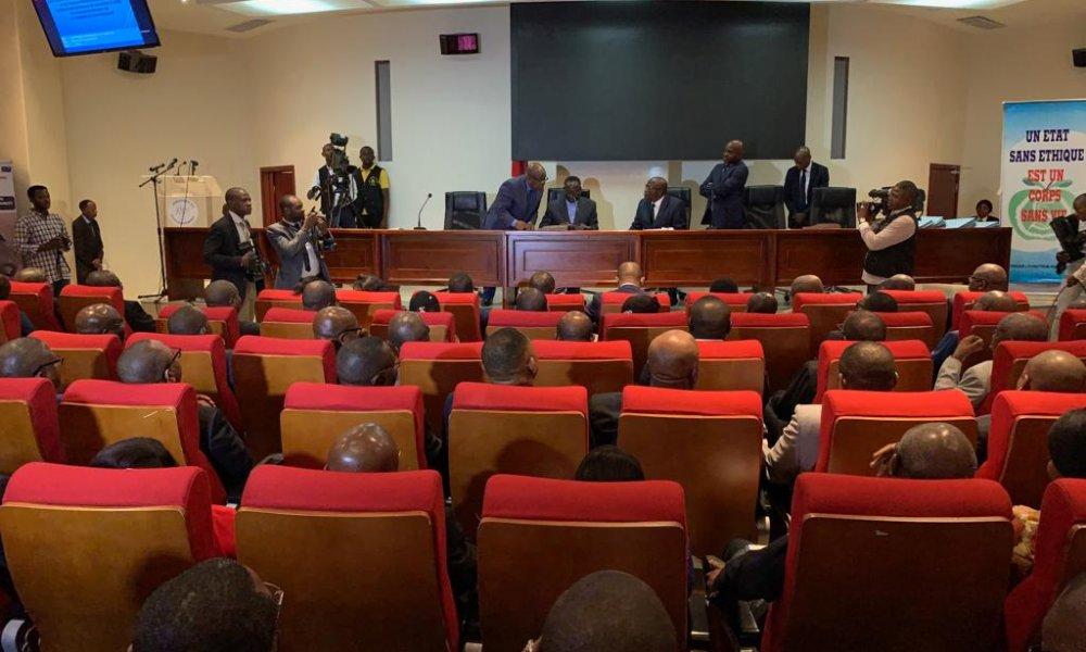 RDC : Ilunkamba signe et fait signer l'Acte d'engagement éthique à ses ministres 5
