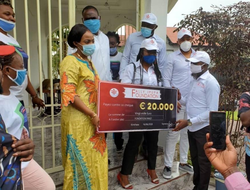Lutte contre le Covid-19 : Fally Ipupa fait un important don à un hôpital