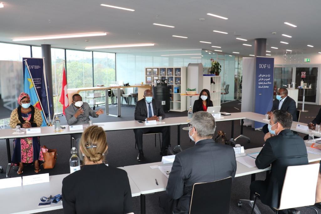 Suisse : le DCAF appuie la RDC pour son adhésion aux Principes Volontaires de respect des droits et de sécurité dans le secteur extractif 1