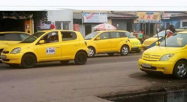 Kinshasa: lutte contre le kidnapping, les chauffeurs de taxis doivent allumer leurs plafonniers dès 18 h (police) 1