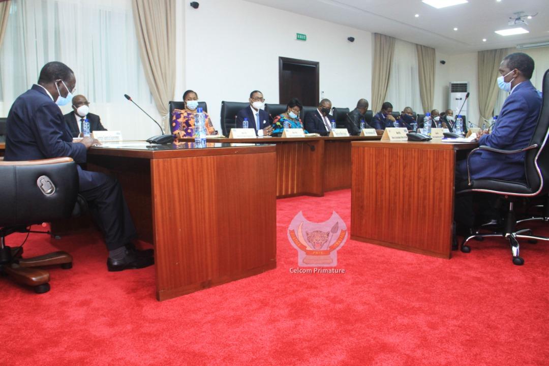 RDC: Covid-19, le Comité multisectoriel de riposte invite les enseignants, élèves et parents au respect des gestes barrières 3