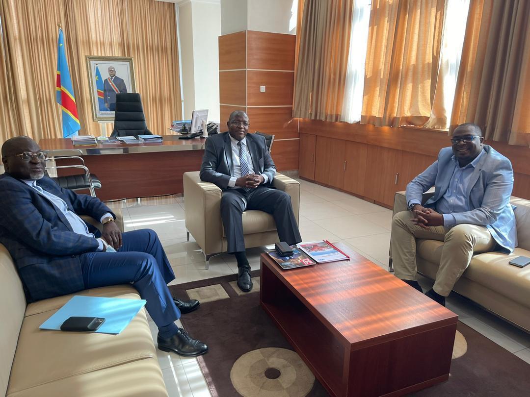 RDC : Willy Kitobo et le directeur général du CAMI harmonisent leurs vues dans l'intérêt du secteur minier 1